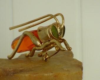 Vintage Grasshopper Brooch - Amber Glass Body - Cabochon Eyes - 1950/1960's - Gold Metal Frame - Natural Patina - Unique - Interesting