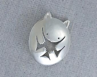 Wombat brooch in sterling silver
