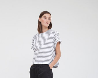 Box shirt- white and blue cotton top