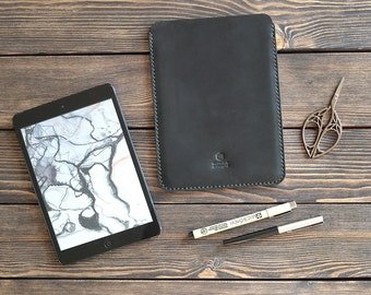 Leather iPad sleeve case. iPad mini case. Handmade leather iPad mini sleeve.