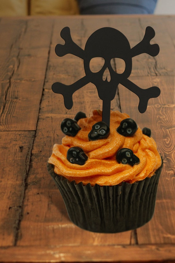 Halloween Cupcake Toppers, Skull and Crossbones Cupcake Toppers, Pirate Cupcake Toppers, Pirates of the Caribbean Themed Party Cupcake