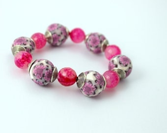 Bracelet white and pink flowers with pearls and crystals