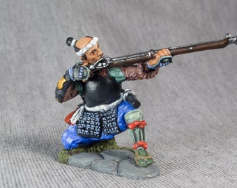 Antique Action Figurine Ashigaru Shooter with Arquebuse 1/32 Scale Hand Painted Sculptures 54mm Tin Miniature Collection