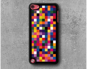 iPod Touch 5 Case Multicolored Pixels