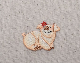Childrens - Pig with Daisy - Piglet - Iron on Applique - Embroidered Patch -  1515836-A