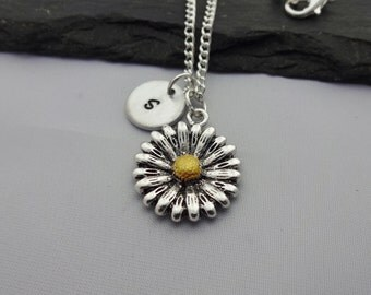 Daisy Necklace, Initial Flower Necklace, Flower Necklace, Initial Charm Necklace, Floral, Gift For Her, Flower Gifts, Floral Jewellery