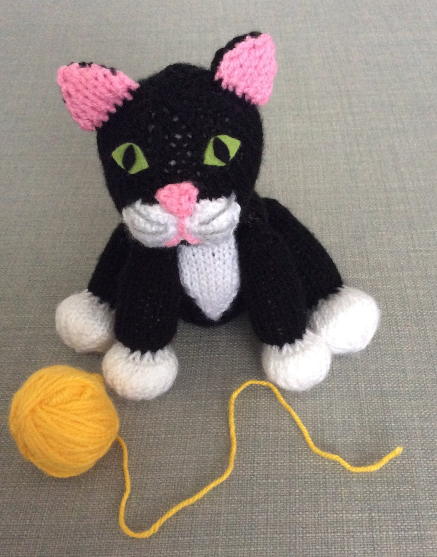 Kitten Knitting Pattern : Cat knitting pattern kitten halloween plushie soft toy