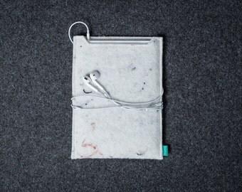 White iPad mini 4 case, felt iPad sleeve, iPad Air 2 case, iPad mini 4 sleeve, vegan felt, Gopher