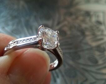 18K White Gold CZ Ring