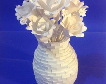 "Flowers to Nobody - ""Flores pra Ninguém"" - Paper Sculpture - Escultura em Papel"