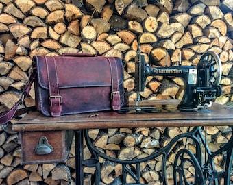 Reddish Brown Leather Satchel / Antiqued Leather Shoulder Bag / Handmade Leather Satchel Purse / Leather Saddle Bag / Vintage satchel bag
