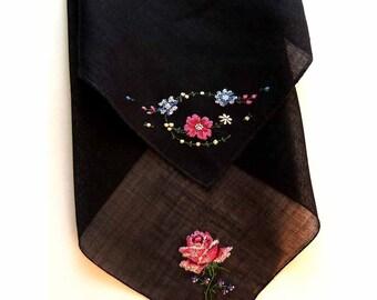 "2 Black Linen Handkerchiefs Hand Embroidered 16"" Rose 17"" Flower Bouquet Hand Stitched Rolled Hem Pretty Hankies Hanky"