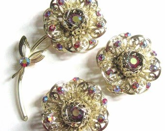 Mod Rhinestone Fashion Flower Set Brooch & Large Earrings Sarah Coventry Signed 60s Vintage Iridescent Red Aurora Borealis + Filigree