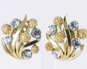 Vintage Crown Trifari Gold Tone Rhinestone Earrings  (E-2-4)