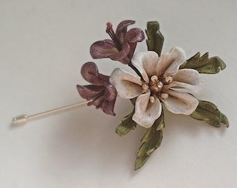 White blossom lapel pin