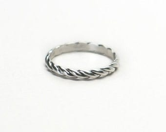 Solid Gold Twisted Rope Ring. Stacking, Knuckle Ring. Gift Ideas for Her