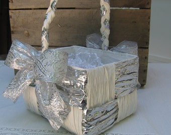 "Wedding Paper Gift Basket, Silver and White Paper Twist Basket, 6"" by 7"""