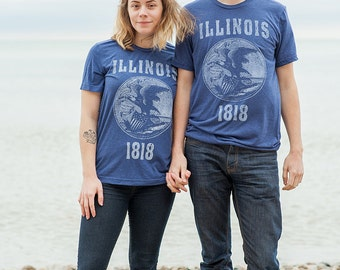 Illinois State Seal T-Shirt. Vintage Style Soft Retro Midwest Shirt Unisex Men's Slim Fit and Women's Tee
