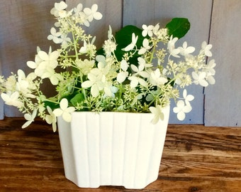 Vintage Upco Art Deco Off-white Planter / Ribbed Planter / Ceramic Planter Vase