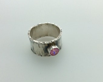 Ring Sterling Silver Faceted Pink CZ Band Textured Oxidized size 8