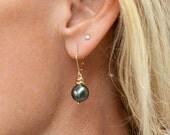 Black Pearl Earrings-Blac...