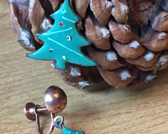 Vintage Laquer Christmas Tree Screw On Earrings