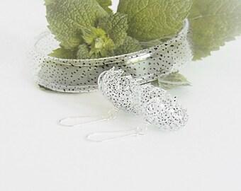Eco friendly jewelry, jewelry set, pet bottle jewelry, dots jewelry, flower jewelry, recycled, jewelry, earrings, bracelet, upcycled