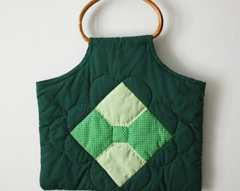 Vintage / Quilted handbag with bamboo handles / Hunter green purse