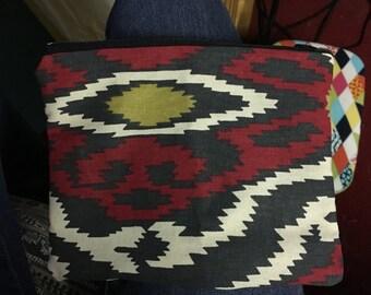 Aztec zipper pouch