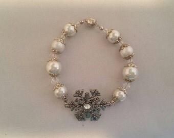 Snowflake Pearl Bracelet