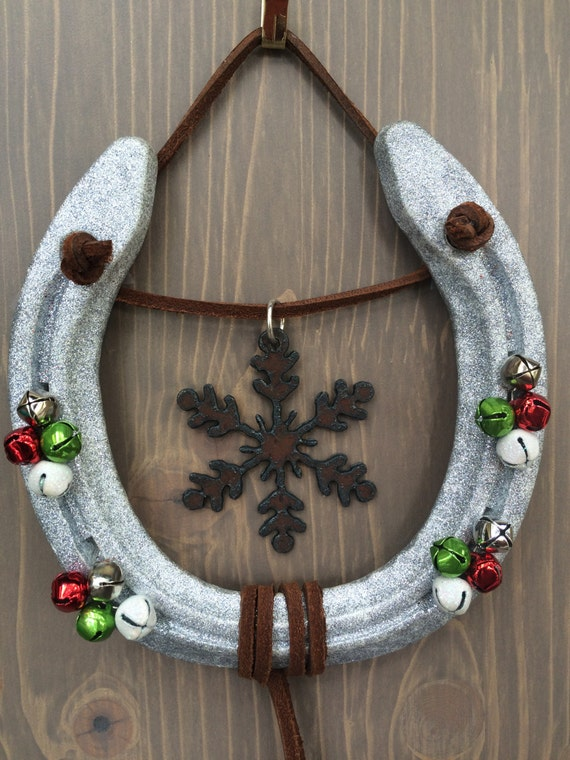 Holiday decorated horseshoeequestrian by americancraftsman10 for How to decorate horseshoes