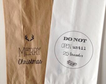 Set of 6 Christmas print paper bags