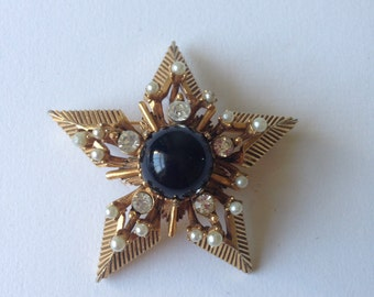 Vintage Large Signed Florenza Gold Tone Star Brooch