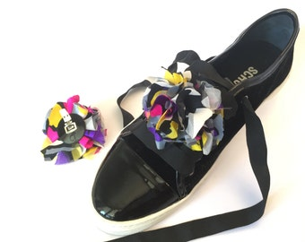 Clips shoes, multicolor flowers