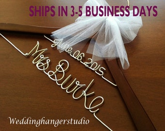 2 Line-Wedding dress Hanger with date, Name Hanger, Bride Hanger,Personalized Hanger, Bridesmaid, Bride Gift, Bridal Party gift