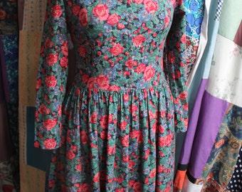 Vintage Laura Ashley Dress  REF 418