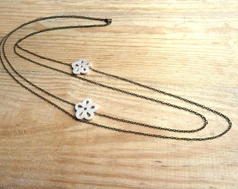 Sautoir Necklace, white nacre flowers and bronze colored chains