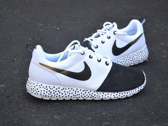 tkrxm Custom Nike Roshe Run Gold Swoosh Fade by StyloBrand on Etsy