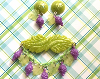 I Heard It Through the Grapevine - Confetti Lucite Style Grape Bunch Brooch and Earring Set With Vintage Grape Charms and Lucite Leaves OOAK