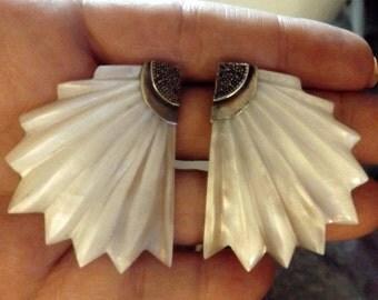 Mother of Pearl Fan Shell Earrings 70s Vintage Jewelry