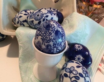 Set of 6 blue and white porcelain eggs