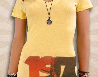 1970s Fashion - Seventies Fashion - 1970 Clothing - Deep V-Neck T Shirts - Scoop Neck T Shirt