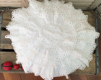 Vintage White Eyelet Doily Pillow~ Vintage Decor, Cottage Chic, Vintage Doily, BoHo Pillow, White Eyelet, Vintage Eyelet, Upcycled