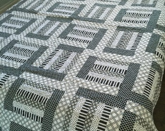 Black and White Modern Quilt for Queen Size Bed