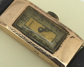 An Art-Deco 9K Rose Gold ladies' wristwatch. Swiss made. Circa 1930's.