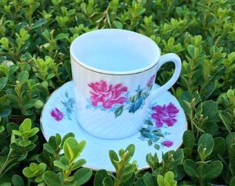 Vintage Coffee Cup & Saucer (8 pieces)