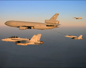 24x36 Poster . Fa-18 Strike Fighters, (Vfa) 41 Vfa-97 Refuel From Kc-10 Extender
