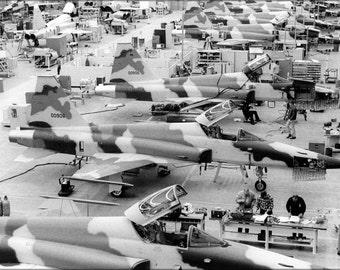 24x36 Poster . Northrop F-5 E Tiger Ii Hawthorne Plant Pre 1974 P2