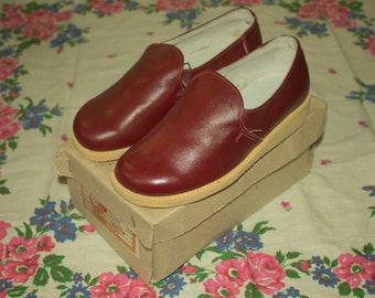 Vintage woman shoes leather shoes vintage child's shoes shoe red brown Oxford shoes brand new size 5