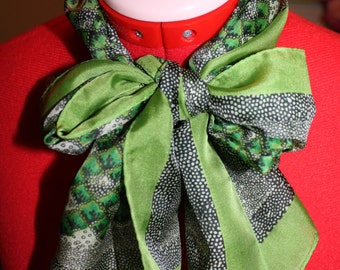 1970s Green Silk Scarf